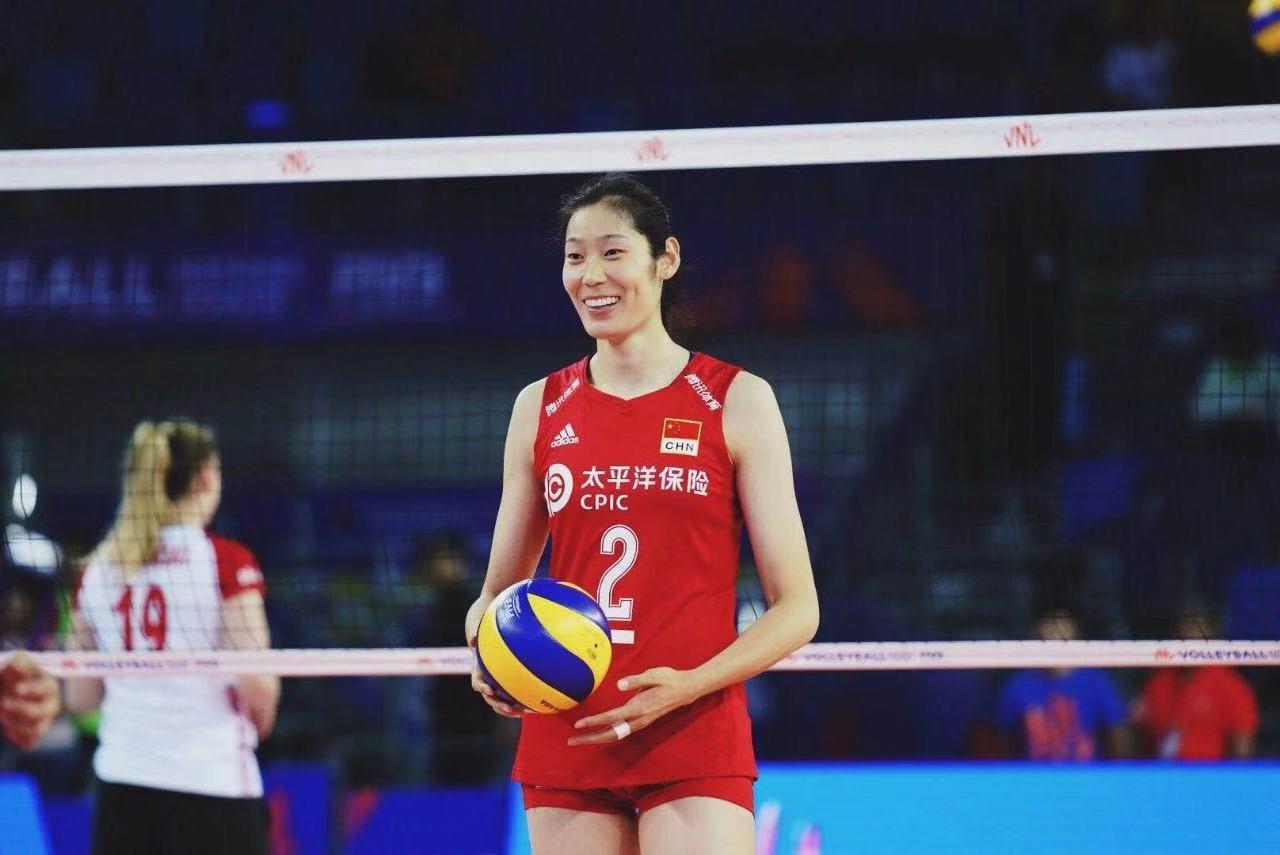 2.中国女排队长朱婷.jpeg